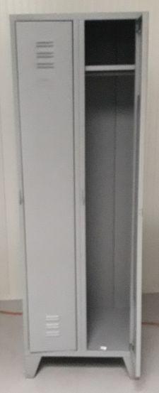 Kovová šatní skříňka dvoudílná